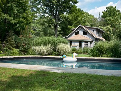 NEW: Architect-designed historic CARRIAGE HOUSE w/heated pool, AC, walk to town!