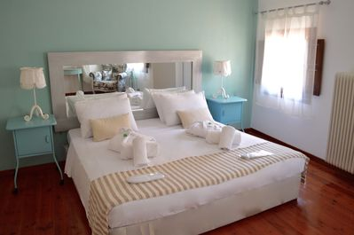 king bed in Royal Suite