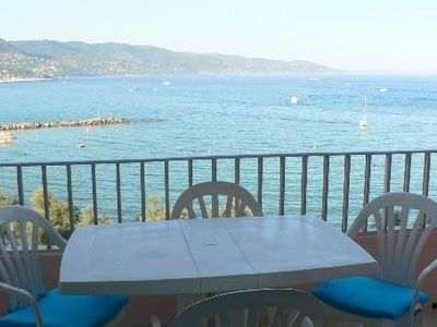 Photo for Appt 2 pieces, new state, foot in water, seen panoramic sea, bay lavandou,