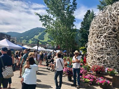 Farmers Market in Town Square (walk here!).  Snow King in back.GREAT LOCATION.