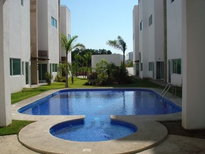 Photo for Tri-Level Townhouse, walking distance to the Beach!!
