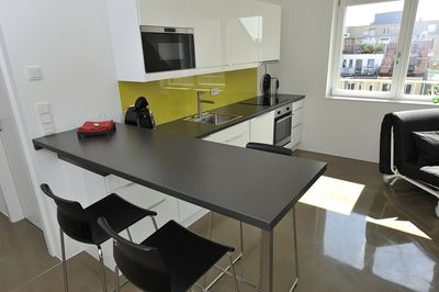 kitchen / bar-style dining table