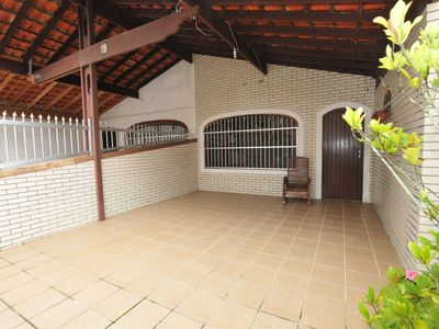 Photo for Beach House less than 100 meters from the beach, with barbecue and parking space.