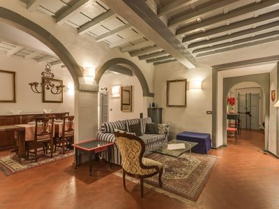 Photo for Tornabuoni Home, slendid florentine home, floors in terracotta tiles, 100 mt from Ponte Vecchio