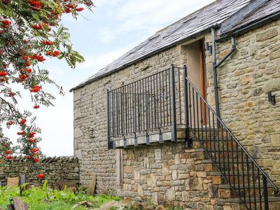 Photo for MELSOME BARN, with open fire in Settle, Ref 981716