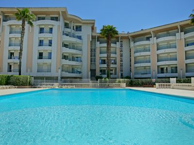 Photo for One bedroom Apartment, sleeps 4 in Fréjus with Pool and WiFi