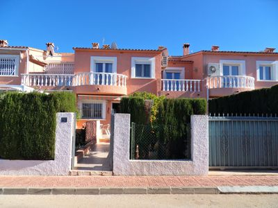 Photo for Townhouse for 6 pers. a few meters from the beach, pool and gardens
