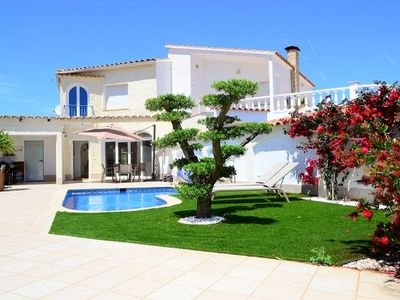 Photo for House with swimming pool, 500 m from the beach of Empuriabrava, quiet, 6 pax