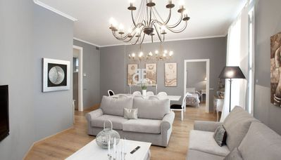 Photo for BCN Rambla Catalunya - Splendid, luxurious and spacious apartment with 4 bedrooms and 3 bathrooms. The master bedroom with bathroom ensuite. 160 m2. Ideal for families. Balcony with views of Rambla de Catalunya. Excellent location, near Paseo de Gracia.