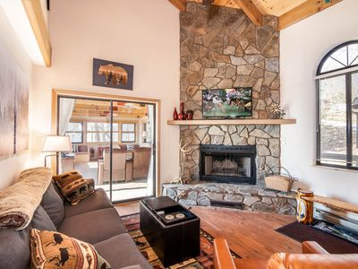 Photo for Charming Mountain Cottage, Big Views, King Master Suite, Pet Friendly, 5 min from Slopes!
