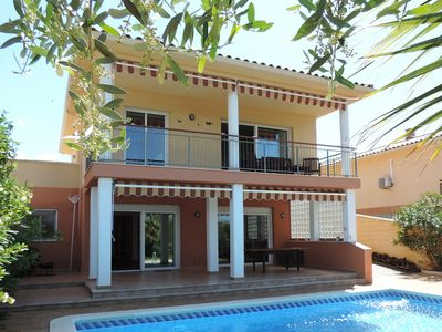 Photo for AT049 DEU PONTS: House with private pool, quiet village 4 km from the beach