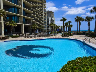 Newly Renovated-Spacious Phoenix West Unit with Lazy River access!