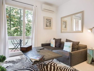 Photo for Vintage Deco 3Br Aptartment with Balcony