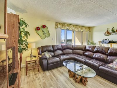 DAILY ACTIVITIES & LINENS INCLUDED*! Spectacular Bayview,