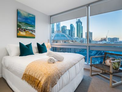 Photo for Auguste, STUNNING Central 2BDR high level apartment