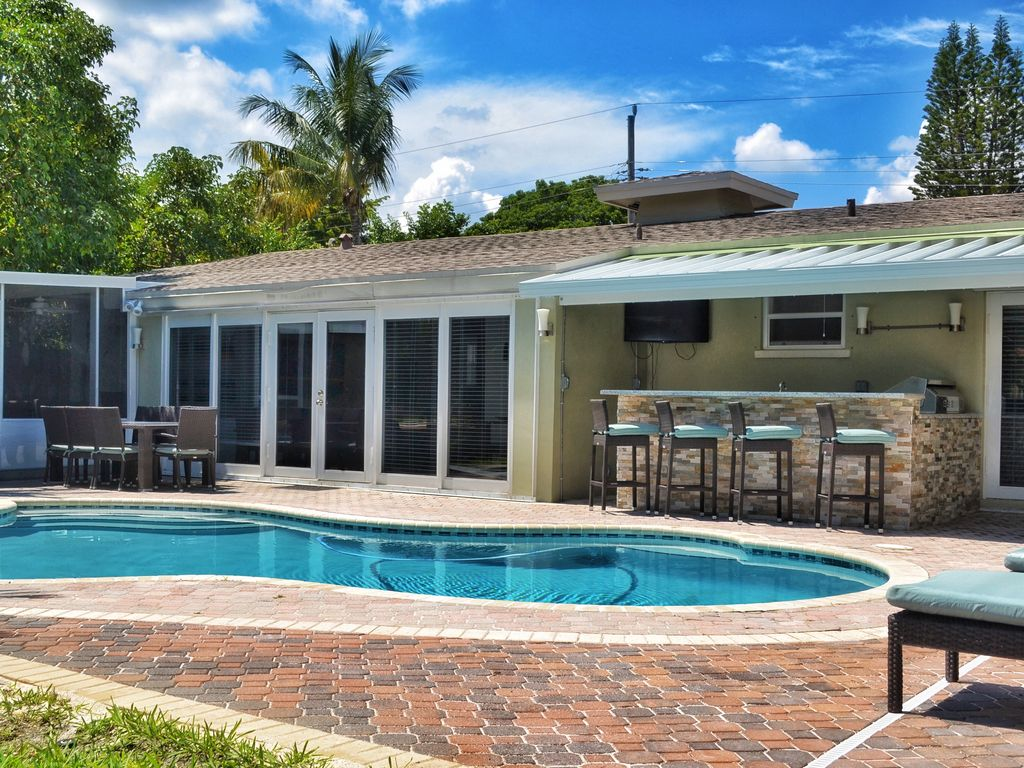waterfront 5 bedroom tropical oasis close t vrbo
