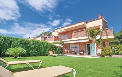 Photo for 5 bedroom accommodation in Sant Vicenç de Montalt