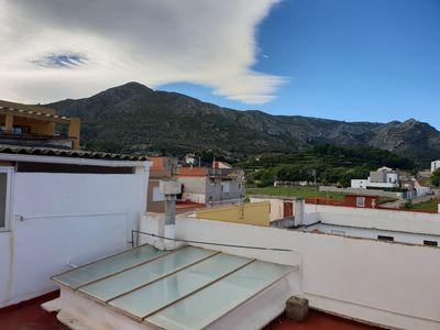 Photo for apartment 90m2, 3 bedrooms, 1 bathroom, air conditioning, roof terrace.