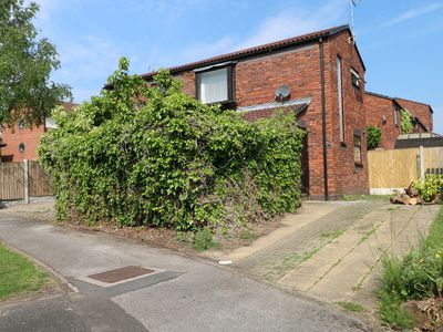 Photo for NORTHGATE AVENUE, pet friendly, with a garden in Chester, Ref 980562