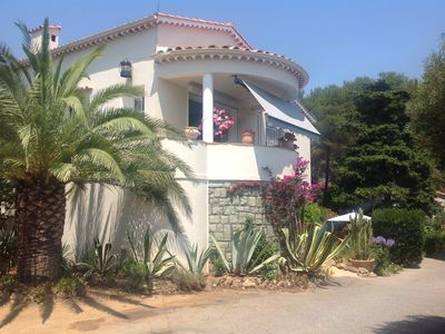 Photo for Riviera, Garden apartment, the Villa Pébrier (sea 400m)