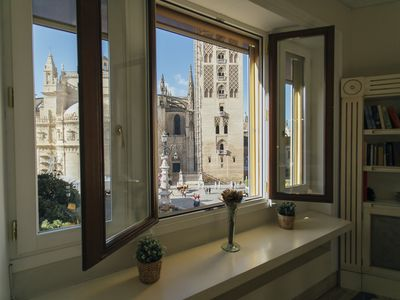 Photo for Luxurious apartment at the foot of the Giralda