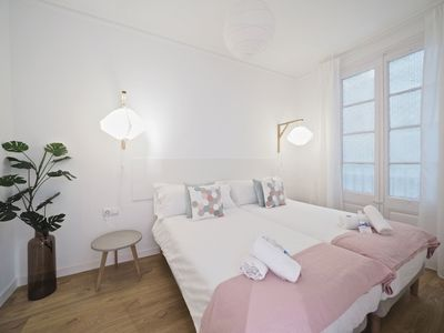 Photo for Apartment in the center of Barcelona with Internet, Air conditioning, Lift (992231)