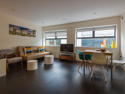 Photo for Bright 1BD loft/flat central London/City/St Paul, spacious, quiet, modern