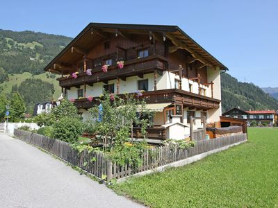 Photo for Cozy Apartment in Zell am Ziller near Pool