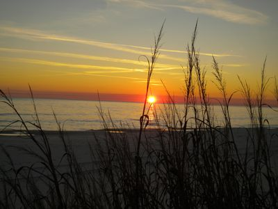 Enjoy Beautiful Sunsets, Dinner and Beverages at Crabby Steve's