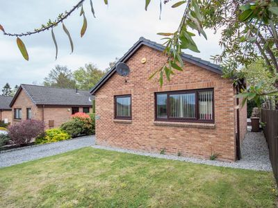 Photo for Private detached holiday home in Culloden, just 5 miles from the city centre.