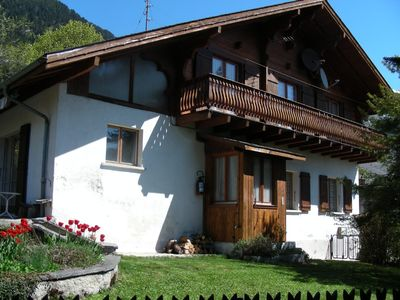Photo for Spacious ground floor apartment for 2 close to Montreux and Lake Geneva