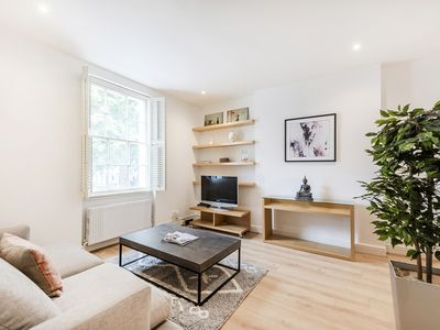Photo for Cozy and bright 1 bed apartment in Knightsbridge