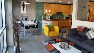Modern 2/2 split level condo in the heart of downtown!