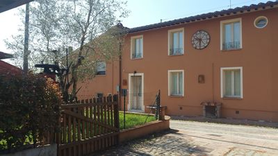 Photo for Holiday Apartment L'Ulivo della Querce, in the heart of Tuscany 5p.