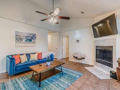 Photo for 3 Bed 2 Bath Home in the Heart of Uptown!