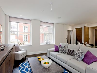 Photo for Luxury 1 bed 1 bath Holborn with Lift,AC and Concierge