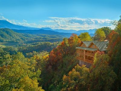 Photo for Luxury Smartcabin w/ a VIEW! Gameroom Pool Arcade 15 minutes to dollywood