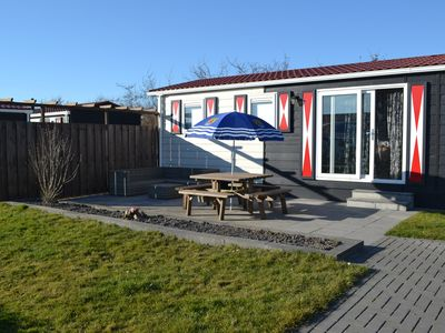 Photo for Chalet Zonnebloem is a 6-person chalet with lots of privacy in a quiet park