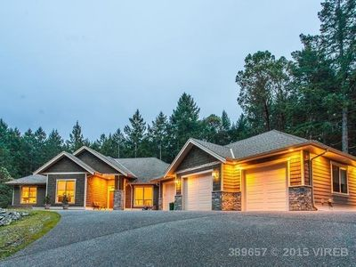Photo for Bright, Open, New, Modern, Rancher!