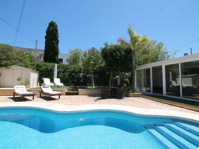 Photo for This 3-bedroom villa for up to 6 guests is located in Albir and has a private swimming pool, air-con