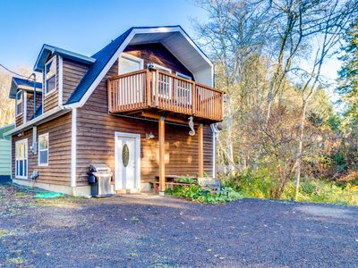 Photo for NEW LISTING! Cozy, family-friendly cabin fishing, boats welcome - dog friendly