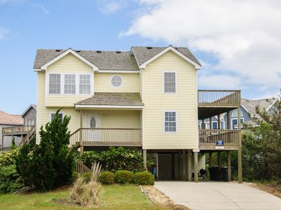 Photo for Just Wright: Heated private pool and hot tub and an elevator!  Very close to beach access.