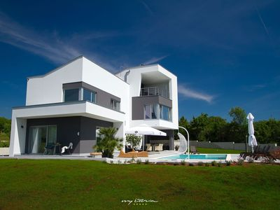 Photo for Designer villa near the sea and Pula city