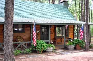Charming Cabin on Nearly 1 Acre Wooded Lot In White Mountain Summer Homes