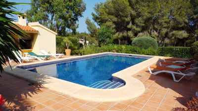 Photo for Fabulous villa with large pool, air-con, pool table, UK TV, table tennis