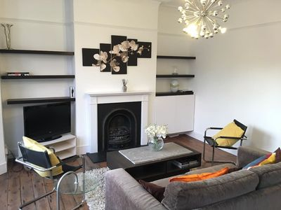 Photo for Perfect 2bed flat in lively Clapham