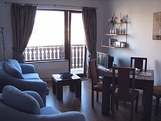 Photo for Sunny/Homely Well-Equipped 2 Bedroom Apartment