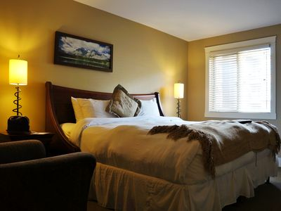 Photo for Luxury retreat in the Canadian Rockies