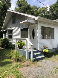 Photo for Chesapeake Bay Beach Cottage - The Sweet Spot on the Bay!