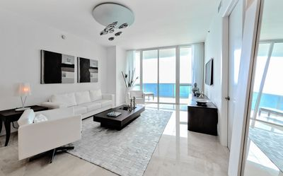 Photo for The Platinum - Luxury Oceanview 3 Bedrooms + 3 Bathrooms